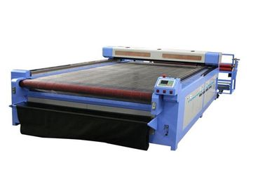 China Automatical Roll CO2 Laser Cutter With Liquid Crystal Display Control System supplier