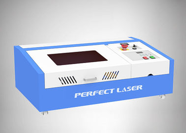 China Working Area 300*200mm CO2 40W Small rubber stamp laser engraving machine factory